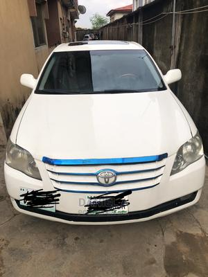 Toyota Avalon 2006 Limited White | Cars for sale in Lagos State, Ilupeju