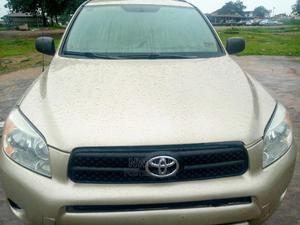 Toyota RAV4 2006 2.0 4x4 VX Automatic Gold | Cars for sale in Abuja (FCT) State, Apo District