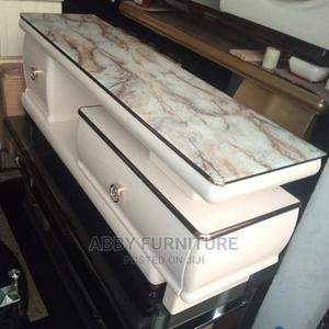 This Is a Glass Top TV Stand | Furniture for sale in Lagos State, Ojo