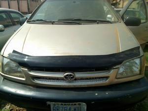 Toyota Sienna 2001 LE Gold | Cars for sale in Kaduna State, Zaria