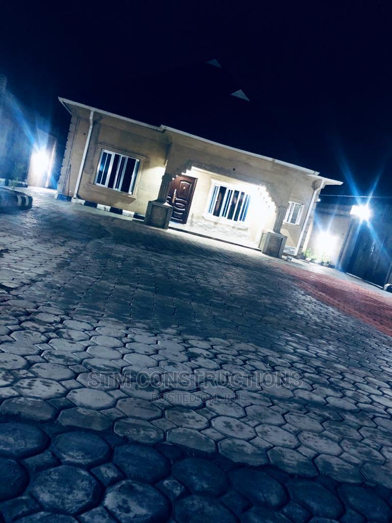 3bdrm Bungalow in Ola Oluwa Estate, Iwo Road for sale