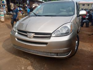Toyota Sienna 2005 XLE AWD Gold   Cars for sale in Lagos State, Ikeja