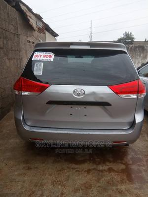 Toyota Sienna 2012 LE 8 Passenger Blue | Cars for sale in Lagos State, Alimosho