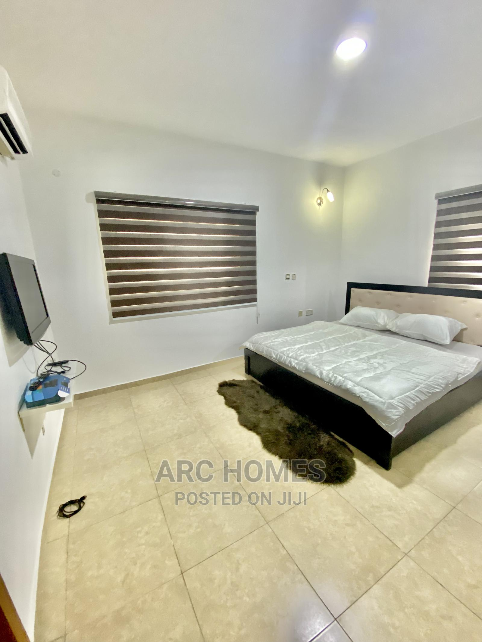 Private Room in a 3 Bedroom Apartment for Monthly Rent | Short Let for sale in Lekki, Lagos State, Nigeria