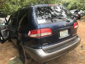 Toyota Sienna 2002 XLE Blue | Cars for sale in Abuja (FCT) State, Gaduwa