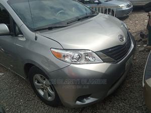 Toyota Sienna 2012 Silver | Cars for sale in Abuja (FCT) State, Garki 2