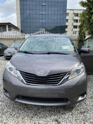 Toyota Sienna 2012 LE 7 Passenger Mobility Gray | Cars for sale in Abuja (FCT) State, Gwarinpa