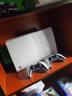 Ps5 Two Controllers and Fifa 21 Installed Sale or Swap | Video Game Consoles for sale in Edo State, Benin City