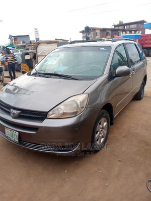 Toyota Sienna 2005 XLE Gray   Cars for sale in Lagos State, Alimosho