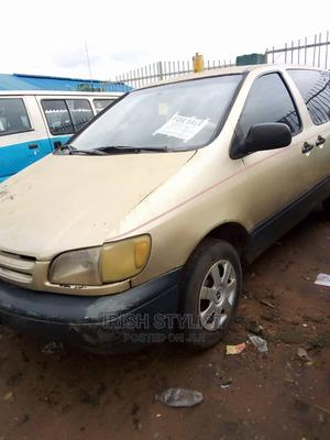 Toyota Sienna 2002 CE Gold | Cars for sale in Anambra State, Onitsha