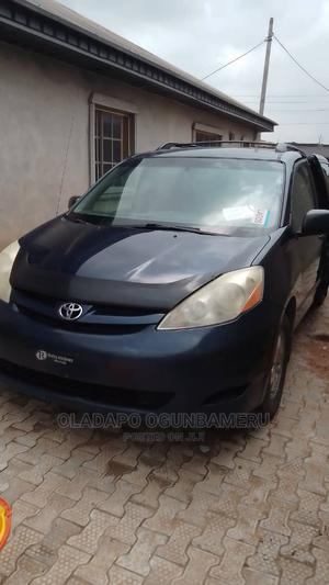 Toyota Sienna 2006 CE FWD Blue | Cars for sale in Lagos State, Ipaja