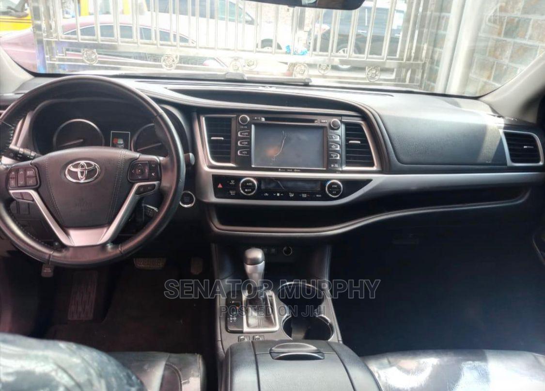 Toyota Highlander 2018 XLE 4x4 V6 (3.5L 6cyl 8A) Pearl   Cars for sale in Shomolu, Lagos State, Nigeria