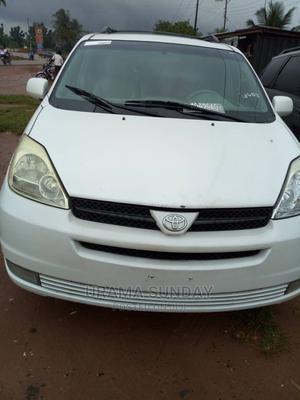 Toyota Sienna 2005 White | Cars for sale in Edo State, Ekpoma