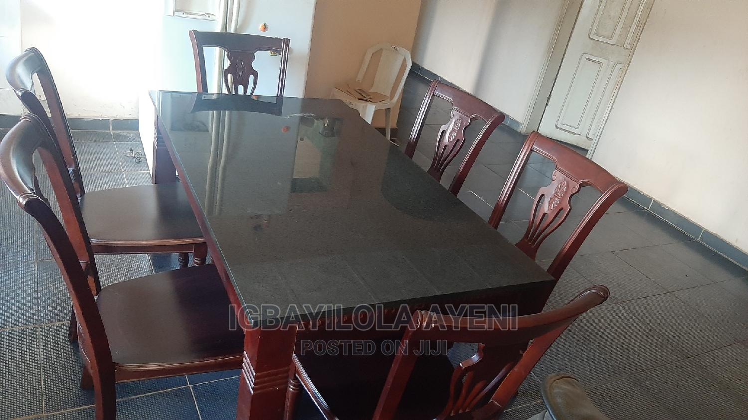 Archive: A Dinning Table