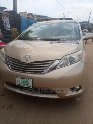 Toyota Sienna 2013 XLE FWD 8-Passenger Gold | Cars for sale in Lagos State, Ojodu