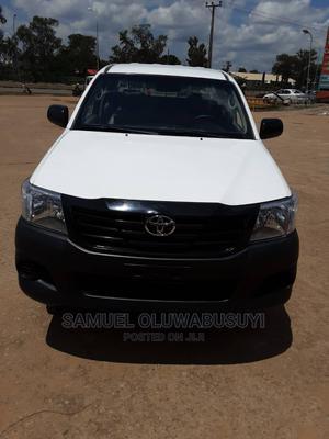 Toyota Hilux 2011 2.7 VVT-i 4X4 SRX White | Cars for sale in Abuja (FCT) State, Garki 1
