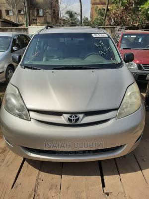 Toyota Sienna 2008 LE AWD Silver | Cars for sale in Lagos State, Alimosho