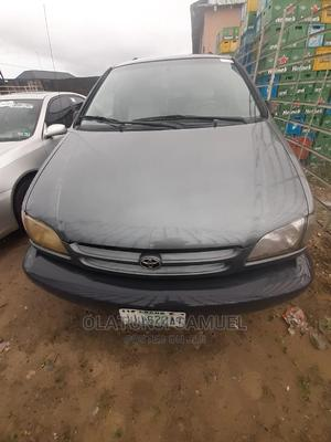 Toyota Sienna 1999 Green | Cars for sale in Delta State, Warri