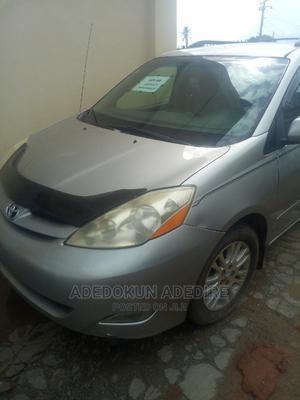 Toyota Sienna 2007 XLE 4WD Silver | Cars for sale in Lagos State, Abule Egba