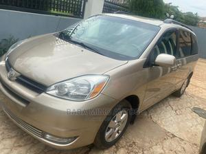 Toyota Sienna 2005 LE AWD Gold | Cars for sale in Lagos State, Ajah