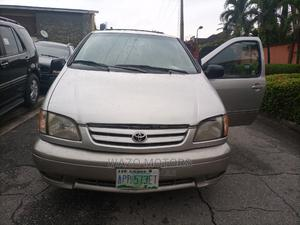 Toyota Sienna 2002 XLE Gold   Cars for sale in Lagos State, Amuwo-Odofin