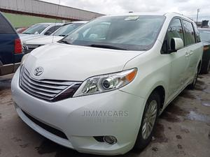 Toyota Sienna 2011 XLE 8 Passenger White   Cars for sale in Lagos State, Ikeja
