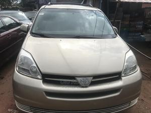 Toyota Sienna 2005 LE AWD Gold | Cars for sale in Edo State, Benin City