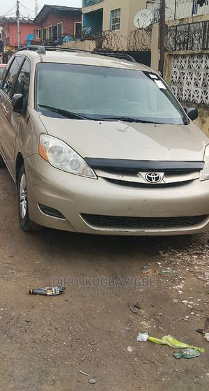 Toyota Sienna 2008 LE Gold | Cars for sale in Lagos State, Surulere