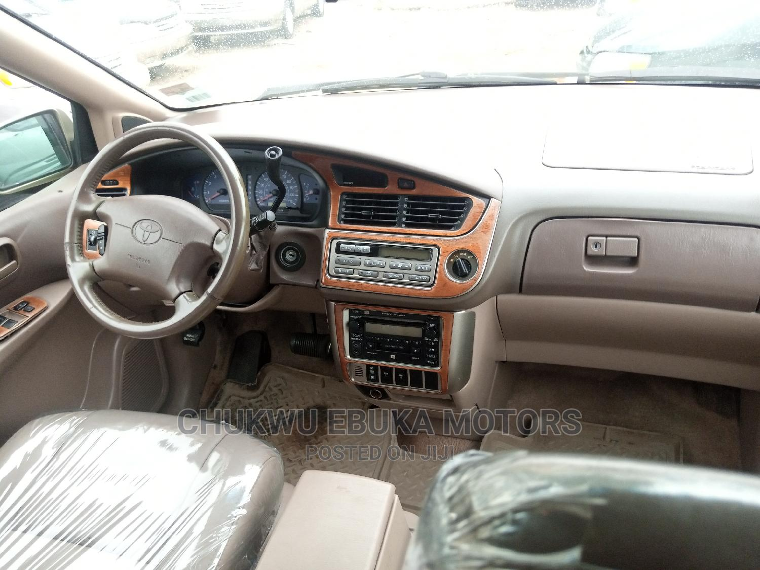 Toyota Sienna 2002 XLE Gold   Cars for sale in Apapa, Lagos State, Nigeria