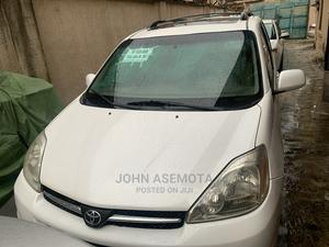 Toyota Sienna 2005 White   Cars for sale in Lagos State, Ogba