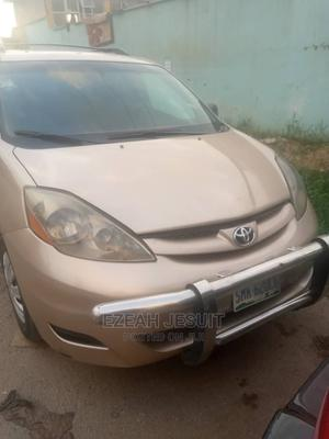 Toyota Sienna 2006 Gold | Cars for sale in Lagos State, Oshodi