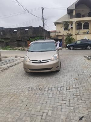 Toyota Sienna 2006 XLE Limited AWD Gold | Cars for sale in Lagos State, Amuwo-Odofin