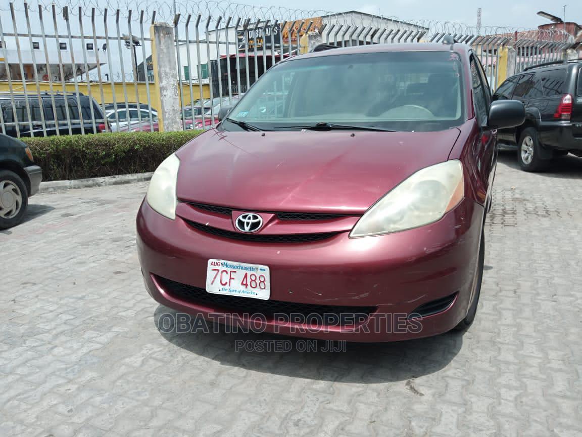 Toyota Sienna 2006 Red