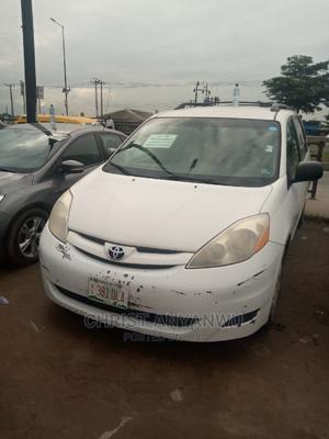 Toyota Sienna 2009 White | Cars for sale in Lagos State, Ikorodu