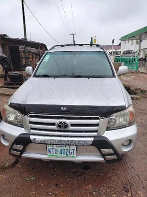 Toyota Highlander 2005 V6 Silver   Cars for sale in Lagos State, Alimosho
