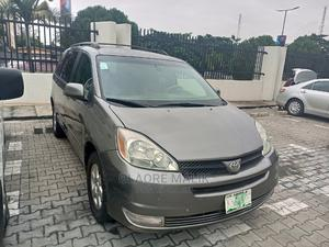 Toyota Sienna 2005 XLE Gray   Cars for sale in Lagos State, Victoria Island