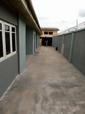 Furnished 3bdrm Block of Flats in Hope Street Alakia for Rent | Houses & Apartments For Rent for sale in Ibadan, Alakia