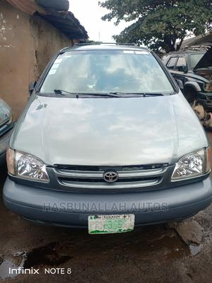 Toyota Sienna 2001 LE Green | Cars for sale in Lagos State, Ifako-Ijaiye