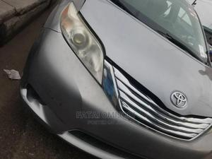 Toyota Sienna 2011 XLE 8 Passenger Silver | Cars for sale in Lagos State, Agege