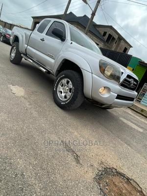 Toyota Tacoma 2006 Access Cab Silver | Cars for sale in Lagos State, Abule Egba