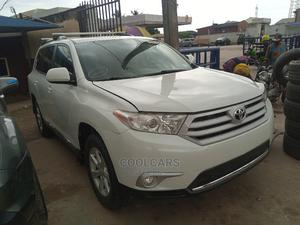 Toyota Highlander 2013 Limited 3.5l 4WD White   Cars for sale in Lagos State, Isolo