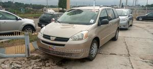 Toyota Sienna 2005 LE AWD Gold | Cars for sale in Osun State, Osogbo