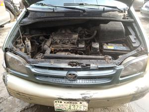 Toyota Sienna 1998 LE 4dr Green | Cars for sale in Lagos State, Isolo