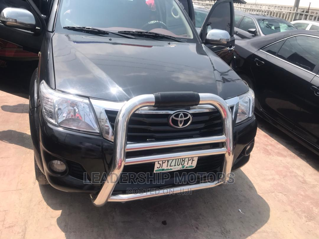 Archive: Toyota Hilux 2009 Black