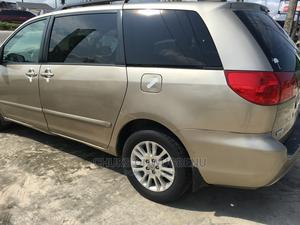 Toyota Sienna 2008 LE AWD Gold | Cars for sale in Delta State, Warri