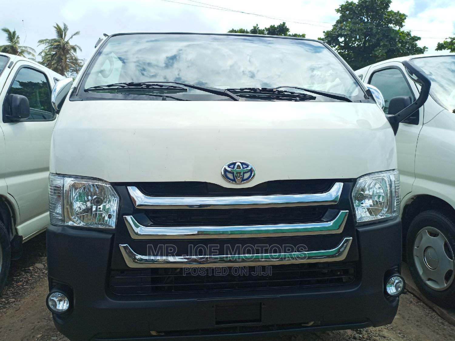 Foreign Used Toyota Hiace Bus