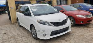 Toyota Sienna 2011 SE 8 Passenger White | Cars for sale in Lagos State, Ejigbo
