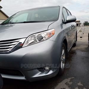 Toyota Sienna 2011 LE 7 Passenger Mobility Silver   Cars for sale in Lagos State, Apapa