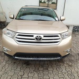 Toyota Highlander 2012 Gold | Cars for sale in Lagos State, Ojota