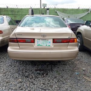Toyota Camry 1999 Automatic Gold | Cars for sale in Lagos State, Ogba